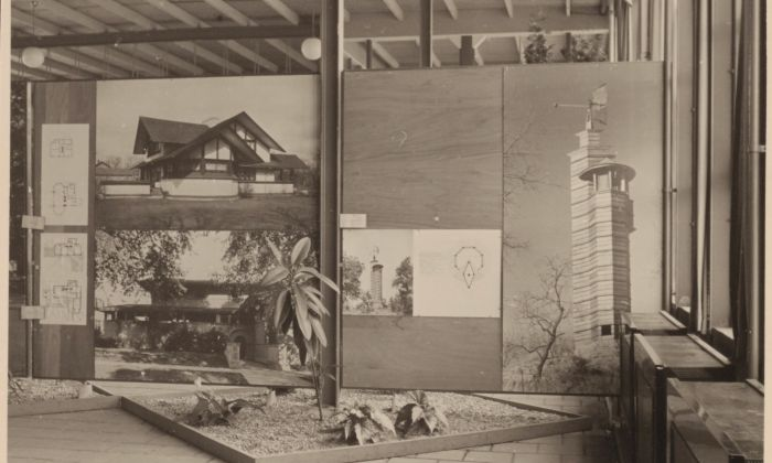 J.J.P. Oud. Frank Lloyd Wright exhibition in Rotterdam Ahoy, 1952-53. Oud initiated and supervised the exhibition. Collection Het Nieuwe Instituut, OUDJ 67.